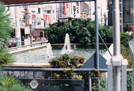 駅前噴水01